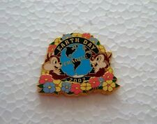 *~*DISNEY DLR CHIP & DALE EARTH DAY 2002 3D LE PIN*~*