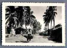 Viêt Nam, Village indigène  Vintage silver print. Vietnam  Tirage argentique d