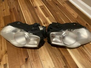 Headlights Headlamps Left & Right Pair Set for 06-10 Volkswagen Passat