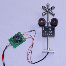 1 set N Scale Railroad Crossing Signals 4 heads LED made + Circuit board flasher