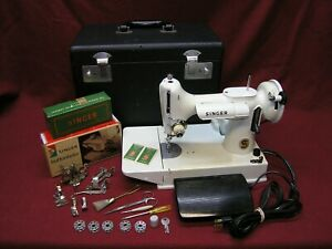 1968 Singer 221K Featherweight Sewing Machine WHITE w/Case/Pedal/Attachments