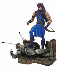 Diamond Select Toys Marvel Classic Hawkeye Action Figure , New, Free Shipping