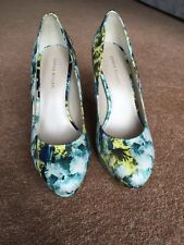 Karen Millen heels Size 5.5
