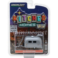 GREENLIGHT 34040 E HITCHED HOMES S4 AIRSTREAM 16' BABMI CAMPER TRAILER 1/64 S