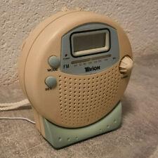 Tevion BDR 250 tragbarer Radio mit Uhr und Wecker fürs Bad geeignet