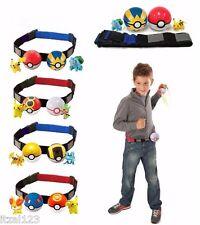 cinturón con dos bolas pokeball y dos pokemons