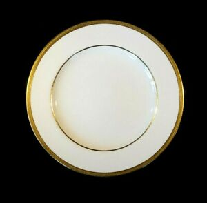 Beautiful Copeland White And Gold Encrusted 485 Dinner Plate