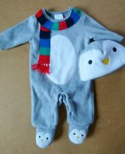 Penguin fleece lined babygrow with matching hat. Newborn. (xmas/outfit/grey)