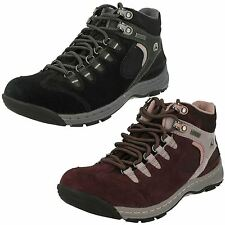 Clarks Women's 100% Leather Walking, Hiking, Trail Shoes