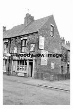 rp17443 - Shop at no 138 Bean Street ,  Hull , Yorkshire - photo 6x4