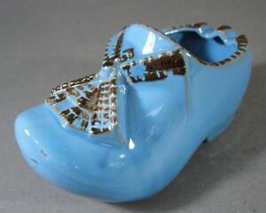 Retro/vintage blue ceramic clog ashtray c/w windmill Holland-theme Made in Japan