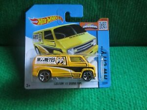 HOT WHEELS CUSTOM 77 DODGE VAN (LOT W95) CAR MINT CARD OPENED