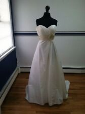 Casablanca Diamond Collection A028 Sample Wedding Dress Gown  IVORY Size 14 NEW