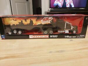 Kenworth W900 Hauler Die-cast 1:43 NewRay Canadian Troops Edition Rare 2002!!!