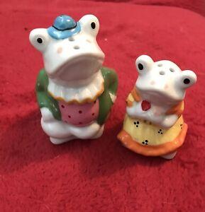 Novelty Vintage Frog Cruet Set Salt & Pepper Pots Collectable Frogs Toads Kitsch