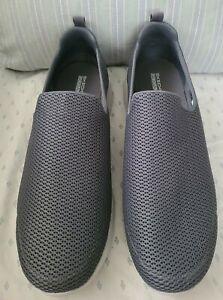 Men's Sketchers GOGA Max NWOT Charcoal Gray Mesh Loafer Shoes Size 14