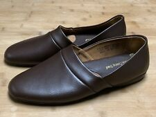 Men's 8M ( fits 7M ) Vermont Country Store Brown Leather Classic Slippers 31642