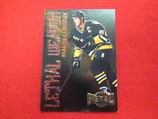 1997 Metal Mario Lemieux lethal weapon hockey card    Penguins    # 11