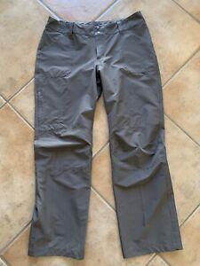 Patagonia Womens Sz 14 Brown Cargo Pants Flat Front Pockets Hiking Camping