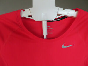 Nike Women's Miler Dry Mesh Coral Running Top AJ4682-653 Size Small NWT