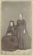 Photo cdv : J.W.Van Riper ; Une mère et sa fille à New-York en pose , vers 1868