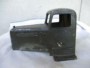 Vintage Smith Miller L Mack Cab
