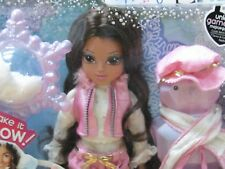 2010 Moxie Girlz Magic Snow SOPHINA Doll ~ Sled, Pocketbook, Hat, Scarf NEW!