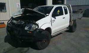 TOYOTA HILUX RIGHT FRONT WINDOW REG/MOTOR POWER, 03/05-08/15 05 06 07 08 09 10 1