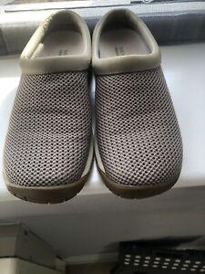 Ladies Merrell Slip On Shoes UK 5