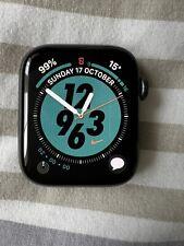 Apple Watch Series 4 Nike+ 44mm GPS Space Gray Aluminium Case Black Sport Loop