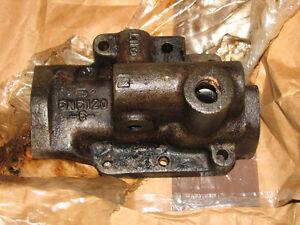 Caterpillar 5N5120 Pump Adapter