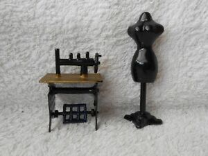 Doll's House Furniture - Treadle Sewing Machine & Dressmakers Model