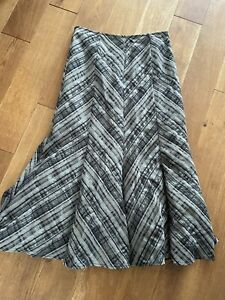 Marks And Spencer Striped Grey Maxi Flared Skirt G24