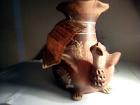 Antique Pottery Artifact Amazonian Tribes Peruvian Vase Turkey Artesa de Quinua