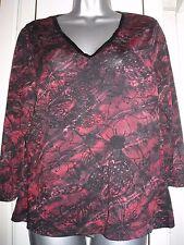 berkertex red/black mix floral 3/4 sleeve stretch top size 14 v neckline