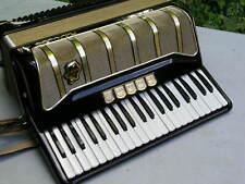 sehr schönes Akkordeon Hohner Pirola mit 120 Bässen