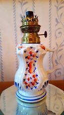 LAMPE A PÉTROLE avec poignée en faïence fleurie numérotée  rocaille XIXe - XXe