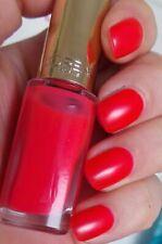 L'Oreal Loreal the Polish Nail Color Rich 826 Flamingo Pink Holding 10 Days 5ML