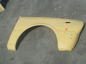 1975-1979 Toyota Corolla Front Right Fender (F168)