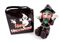 """Halloween - Präsent """" Hexe in Einkaufstasche """", 5,5 cm breit und hoch, Steinharz"""