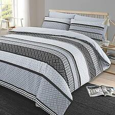 Luxury Reversible King Size Bedding Set Duvet Quilt Cover And Set Of Pillowcases
