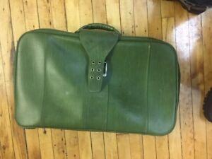 Vintage Samsonite Royal Traveler Medalist Suitcase Luggage Avocado Green
