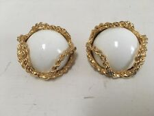 Huge Vintage White and Goldtone Chain clip earrings - 1980s