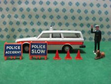 Vintage -  VOLVO  Station wagon Police -  Dinky toys 243    Nuovo / Mint in Box