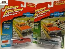 Johnny Lightning 1965 Chevy El Camino Set of 2 2017 Classic Gold R2 A&B 17L