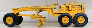 CATERPILLAR MODEL GRADER TRACTOR LARGE METAL NO.12 DIESEL