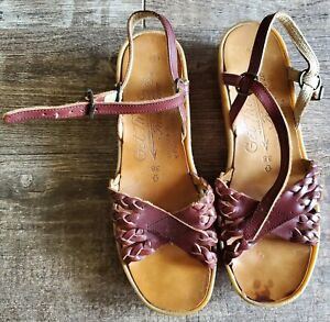 Vintage~FAMOLARE~Go There~ITALY~ Brown Leather~Wedge~SANDALS~Straps~SIZE 6.5 N