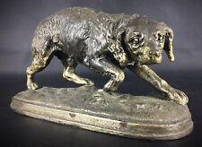 Belle et fine en détails,  statuette en régule ancienne XIXem  chien de chasse
