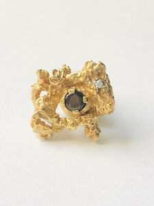 Handsome 18K Yellow Gold Nugget Moonstone Tie Tack Pin