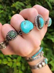 Vintage•Old Pawn~NAVAJO~Bright Turquoise Sterling Silver~Ring•Sz 5.5